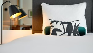 Business kamer bed close up-1